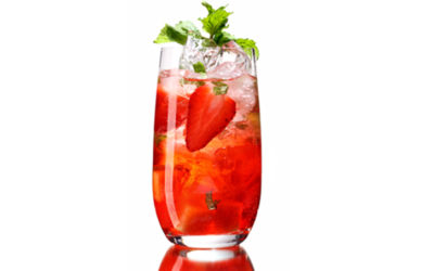 Cooling drink with strawberries