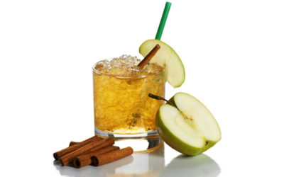 Cooling drink with apple and cinnamon